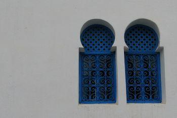 Tunis_blue_windows