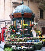Malta_flower_stand_2