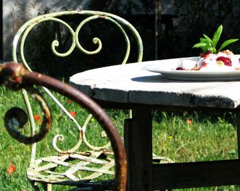 Wrought_iron_chair