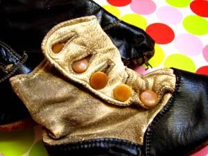 Buttonupshoe